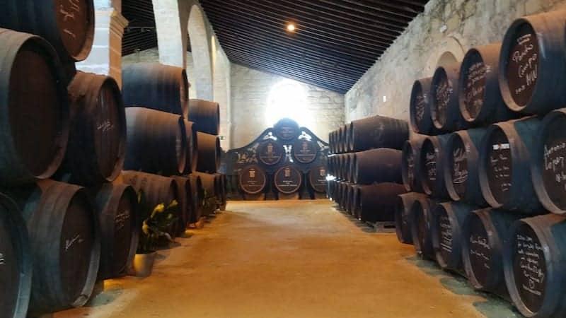 Visita a las bodegas en la excursión al Jerez