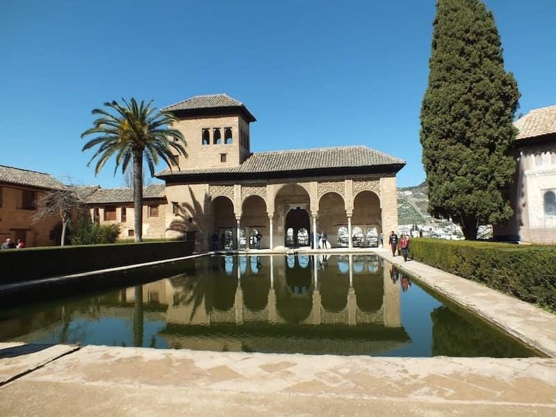 Recorrido Guiado por La Alhambra